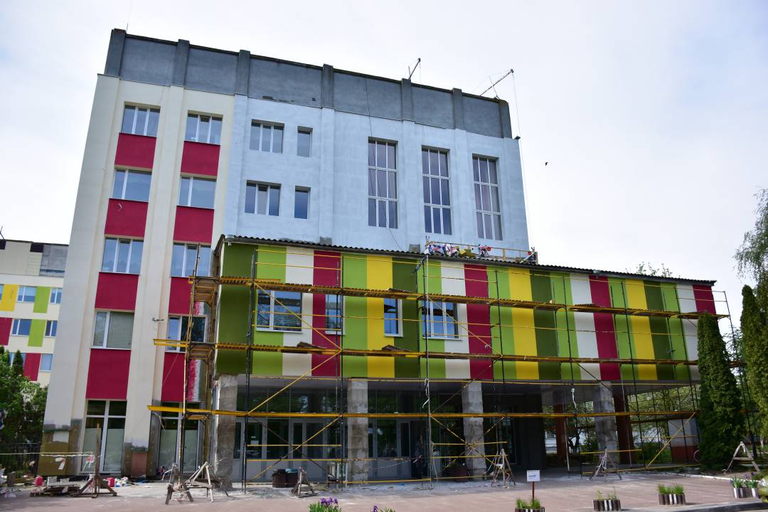 Завершуються роботи з термомодернізації будівлі міського пологового